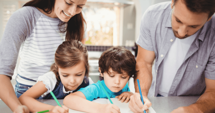 familia-actividades-hijos-casa-1