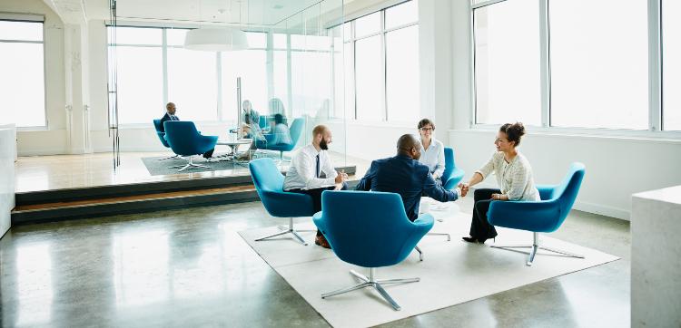 Flexibilidad laboral y nuevos liderazgos: dos tendencias que transforman el talento humano
